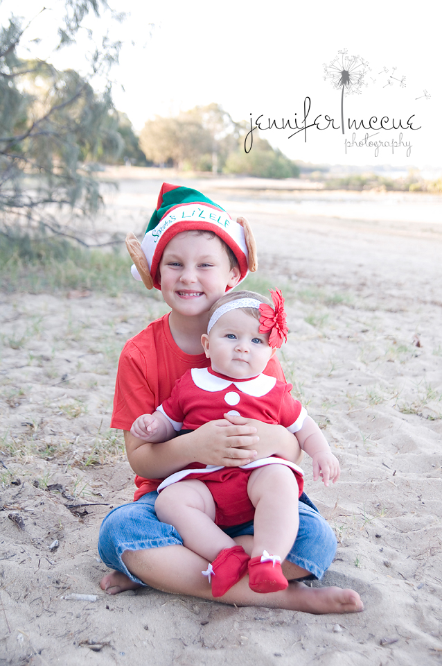 sibling christmas photography