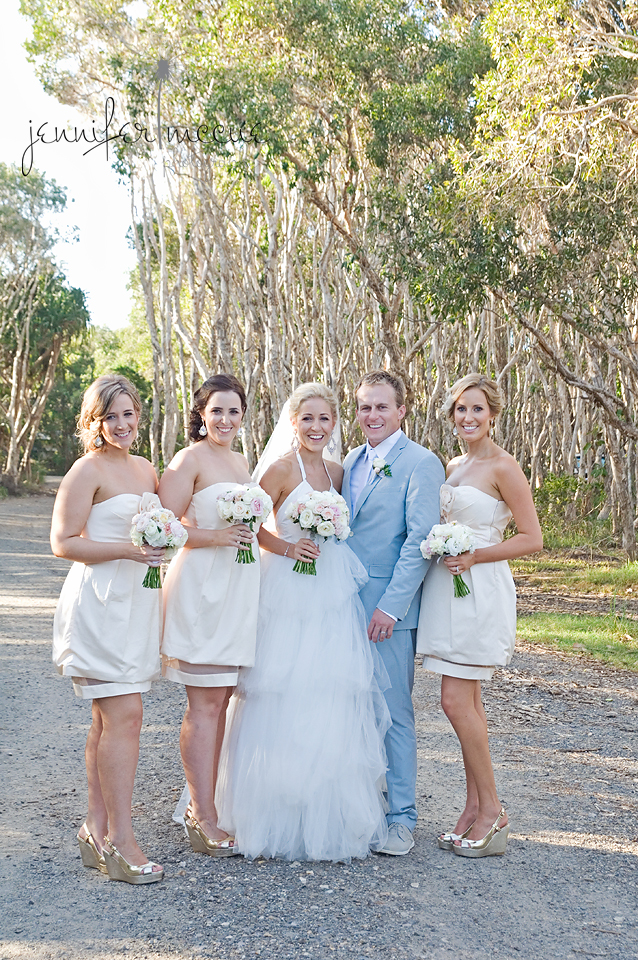 bride goom and bridesmaids